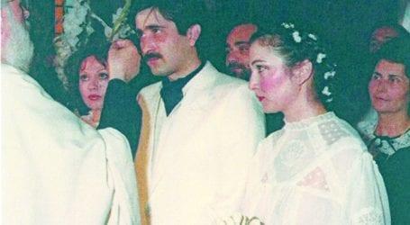 Ο άγνωστος Λάκης Λαζόπουλος: Ο εφηβικός του έρωτας στη Λάρισα και το τηλεφώνημα την ημέρα του γάμου του