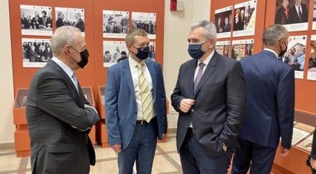 Χαρακόπουλος στα εγκαίνια φωτογραφιών του Πρακτορείου TASS: Βαθιές οι ρίζες της ελληνορωσικής φιλίας