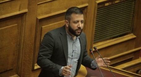 Μεϊκόπουλος: «Μετά το giveaway των 150€ γιατί δεν κάνετε giveaway και καμία θέση εργασίας στους νέους;»