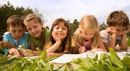 Καλοκαιρινή παιδική χαρά από τη Λέσχη Εργαζόμενου Κοριτσιού Βόλου