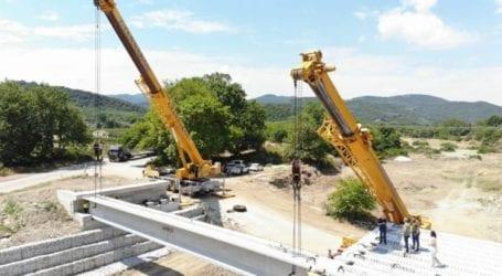 Προχωρούν οι εργασίες κατασκευής της νέας γέφυρας στο Πουρί Αγιοκάμπου (φωτο)