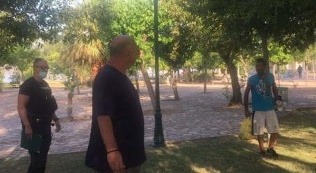 Έκαναν καταυλισμό το πάρκο του Αναύρου – Απομακρύνθηκαν τσιγγάνοι μετά από παρέμβαση Μπέου [εικόνες]