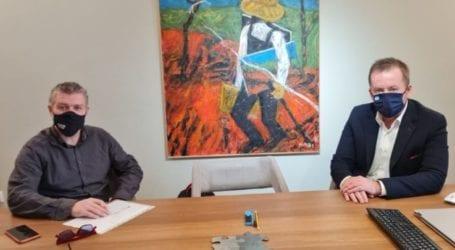 Συνάντηση Κόκκαλη – Γκουντάρα για το «καυτό» θέμα των εργατών γης