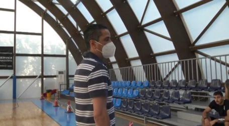 Στη Σκιάθο ο προπονήτης της Μακάμπι, Γιάννης Σφαιρόπουλος συνομίλησε με μικρούς φίλους του μπάσκετ