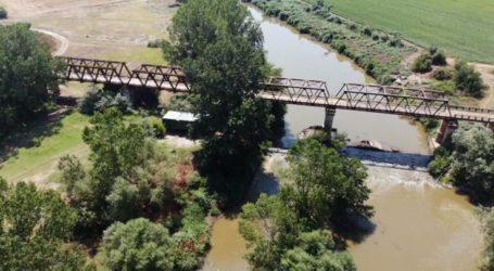 Λάρισα: Η παλιά σιδερένια στρατιωτικού τύπου, γέφυρα Κουτσοχέρου που θυμίζει σκηνικό από χολιγουντιανή ταινία (φωτο – βίντεο)