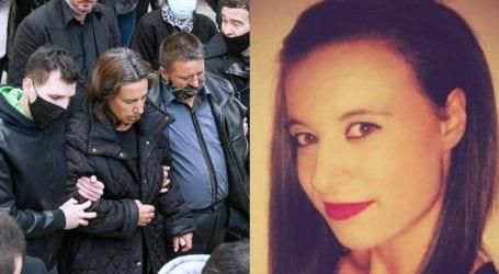 Μακρινίτσα: Αλλάζει επίθετο το παιδί της δολοφονημένης Κωνσταντίνας Τσάπα – Οι κινήσεις των γονιών της
