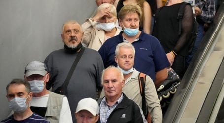 Η Ρωσία ξεκινά εκστρατεία ενισχυτικών εμβολίων καθώς αυξάνονται τα κρούσματα Covid-19