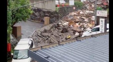 Φόβοι για τουλάχιστον δύο νεκρούς από τις κατολισθήσεις που προκάλεσαν οι καταρρακτώδεις βροχές στην Ιαπωνία