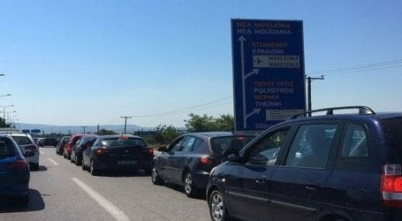 Μαζική έξοδος προς τις παραλίες της Χαλκιδικής