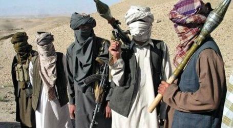 Ταλιμπάν παίζουν σε παιδική χαρά και γίνονται viral