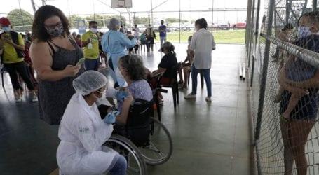 Ο εμβολιασμός κατά της Covid-19 εμφανίζει τα πρώτα του αποτελέσματα στη Βραζιλία