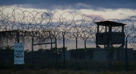 Η κυβέρνηση Μπάιντεν προχώρησε στην πρώτη μεταφορά κρατουμένου από τη φυλακή του Γκουαντάναμο