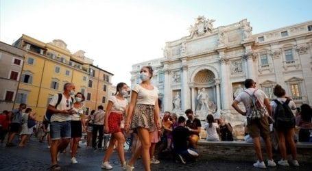 Αυξάνονται αισθητά τα περιστατικά Covid στα ιταλικά θέρετρα