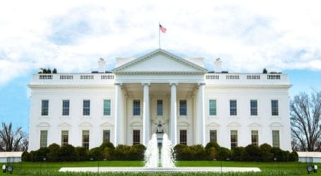 Ένας αξιωματούχος του Λευκού Οίκου διαγνώστηκε θετικός στον κορωνοϊό