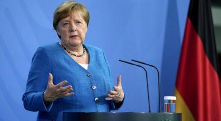 """Η Μέρκελ χαιρέτισε ένα """"θετικό βήμα"""" στον συμβιβασμό που επιτεύχθηκε με τις ΗΠΑ"""