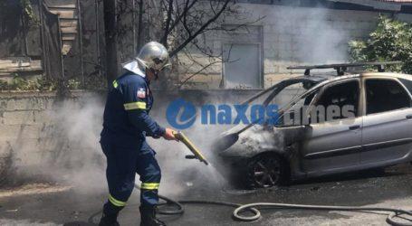Ολοσχερώς κάηκε αυτοκίνητο από φωτιά που ξέσπασε ενώ ήταν εν κινήσει