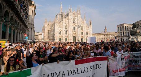 Διαδηλώσεις κατά του «πράσινου πάσου» σε όλη τη χώρα
