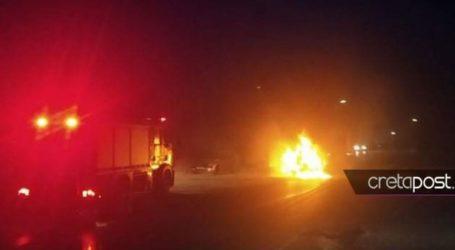 Στις φλόγες αυτοκίνητο στο Ηράκλειο