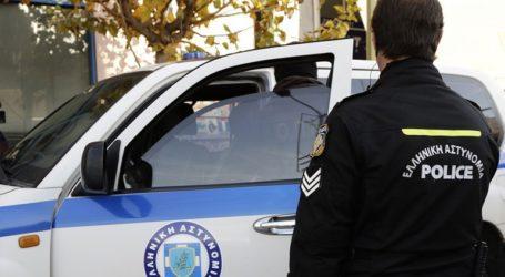 Τρεις συλλήψεις για κλοπές από αυτοκίνητα στη Γλυφάδα