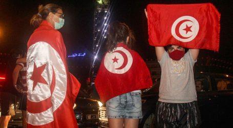 Τυνησία: Ο πρωθυπουργός παραδίδει τα καθήκοντα του