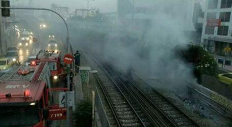 Πυρκαγιά στις γραμμές του ΗΣΑΠ μεταξύ Πειραιά και Φαλήρου