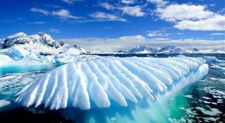 Γροιλανδία: 22 γιγατόνοι πάγου έλιωσαν σε μια ημέρα