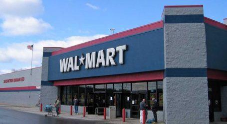 Υποχρεωτική και πάλι η μάσκα για τους εργαζόμενους στα καταστήματα Walmart