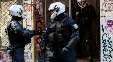 Βόλος: Μεθυσμένοι τσιγγάνοι επιτέθηκαν σε αστυνομικούς που πήγαν για έλεγχο σε μπαρ