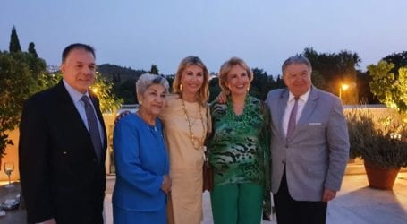 Η Ζέττα Μακρή στην εκδήλωση της Προέδρου της Ομοσπονδίας Ελλήνων Εκπαιδευτικών Αμερικής, Στέλλας Κοκκόλη