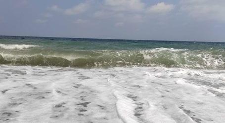 Δείτε φωτογραφίες: Χαβάη θύμιζε σήμερα ο… Αγιόκαμπος – Ισχυροί άνεμοι και μεγάλα κύματα