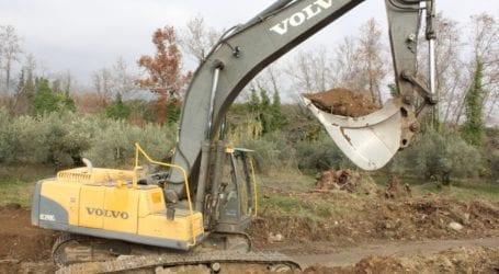 Αντιπλημμυρικά έργα ύψους 700.000 ευρώ σε 8 λεκάνες απορροής στην Π.Ε. Λάρισας από την Περιφέρεια
