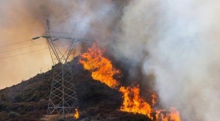 Ολονύχτια μάχη με τη φωτιά στα Στύρα Ευβοίας