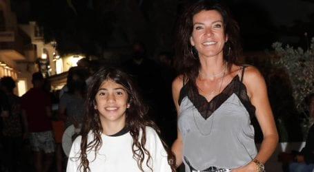 Μαρίνα Βερνίκου: Βόλτα με την κόρη της στα Ματογιάννια