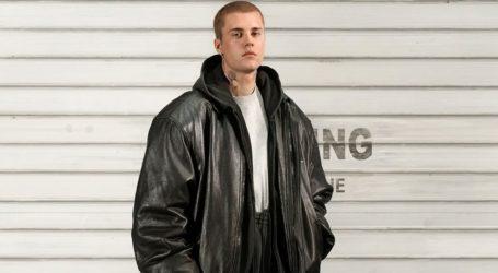 O Justin Bieber αναλαμβάνει χρέη μοντέλου για τον οίκο Balenciaga