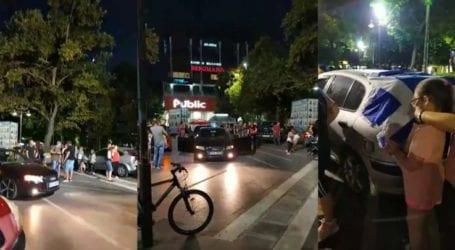"""Μηχανοκίνητη πορεία από δεκάδες αντιεμβολιαστές στη Λάρισα – """"Ανέβηκαν"""" και στην Κεντρική πλατεία (φωτό – βίντεο)"""