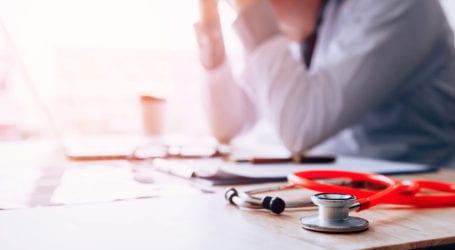 «Καμπάνα» από τον Ιατρικό Σύλλογο Λάρισας σε γιατρό για παραπλάνηση και παραπληροφόρηση πολιτών γύρω από τον κορωνοϊό και τον εμβολιασμό
