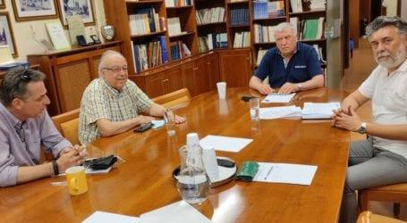 Για το διεκδικητικό πλαίσιο της Ε.Δ.Υ.ΘΕ συζήτησαν στα γραφεία της ΠΕΔ Θεσσαλίας οι εκπρόσωποί της με τον πρόεδρο Θ. Νασιακόπουλο
