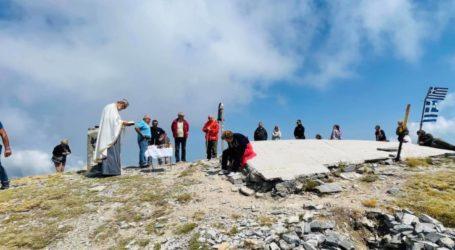 Η Ιερά και Ιστορική Εικόνα του Προφήτη Ηλία στο εξωκκλήσι της κορυφής του Κισσάβου (φωτο)