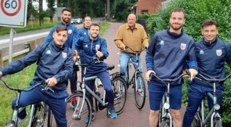 Στην Ολλανδία ο Αχιλλέας Μπέος – Ποδηλατάδα με τους ποδοσφαιριστές [εικόνες]