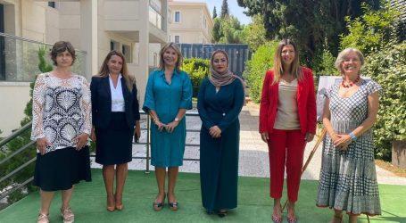 Η Υφυπουργός Παιδείας Ζέττα Μακρή στην πρεσβεία των Ηνωμένων Αραβικών Εμιράτων