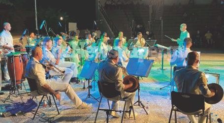 Βόλος: Εντυπωσίασε η μπάντα του Ναυτικού – Δείτε εικόνες και βίντεο