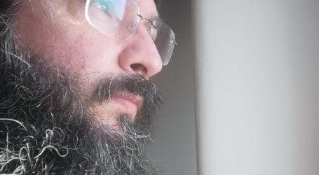 Συγκλονίζει Τρικαλινός Ιερέας ένα χρόνο μετά την περιπέτεια με τον covid-19