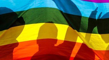 Η κυβέρνηση διέταξε να «καλυφθούν» τα παιδικά βιβλία που θεωρείται ότι προωθούν την ομοφυλοφιλία
