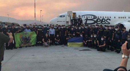 Ουκρανοί πυροσβέστες ρίχνονται στη μάχη των πυρκαγιών της Αττικής