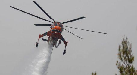 Περίπου 680 πυροσβέστες και πέντε εναέρια μέσα επιχειρούν σε Γορτυνία και Ηλεία