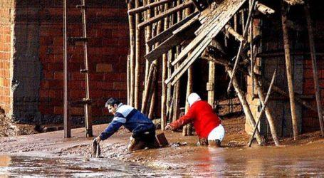 Τουλάχιστον 11 άνθρωποι έχασαν τη ζωή τους από τις σαρωτικές πλημμύρες