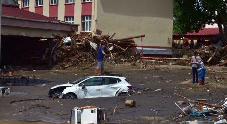 Ο αριθμός των νεκρών από τις πλημμύρες έφθασε τους 58