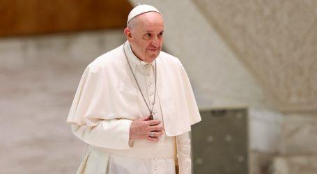 Ο Πάπας εκφράζει την «ανησυχία» του και απευθύνει έκκληση για «διάλογο»