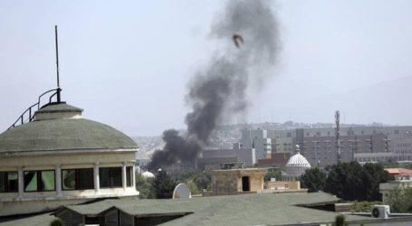 Εκρήξεις ακούγονται στην Καμπούλ, ενώ οι Ταλιμπάν κυριεύουν την πόλη