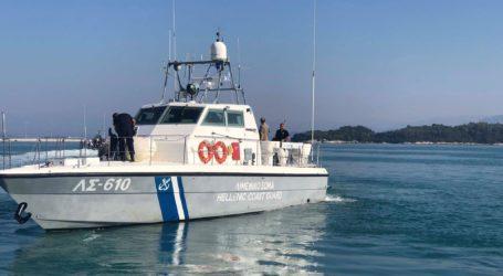 Αλόννησος: Βυθίστηκε βάρκα με τρεις επιβαίνοντες